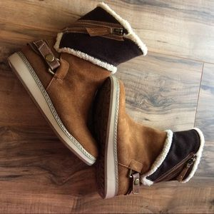 EUC 6.5 White Mountain Teague Suede Winter Boot